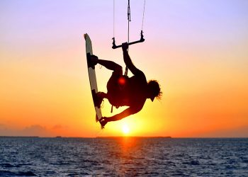 keys-kite-surfing-sunset-greek-slands-1.jpg
