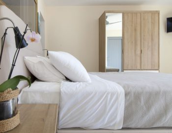sappho-boutique-suites-lefkas-greece-double-bedroom
