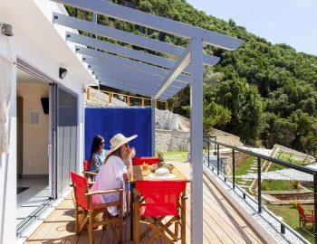 vasiliki-boutique-suites-plunge-pool-girls-balcony-lefkas-greece