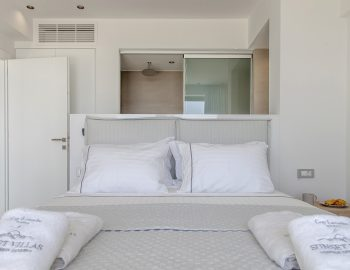 villa-achilles-sunset-sivota-epirus-greece-double-bedroom-with-ensuite-bathroom