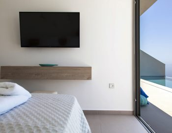villa-achilles-sunset-sivota-epirus-greece-twin-bedroom-with-pool-view