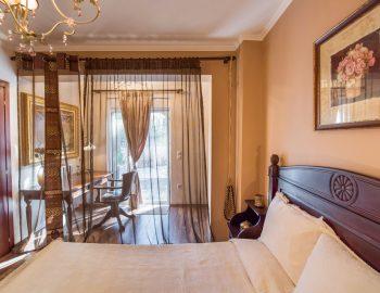 villa-agnadi-katouna-lefkada-master-bedroom