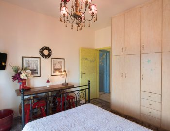 villa-agnadi-katouna-lefkas-double-bedroom-with-tv-and-wardrobes