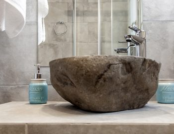 villa-alba-apolpena-lefkada-bathroom