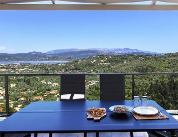 villa-alba-apolpena-lefkada-greece-outdoor-dining-with-panoramic-town-view