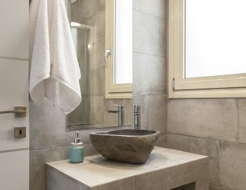 villa-alba-apolpena-lefkada-luxury-home-bathroom