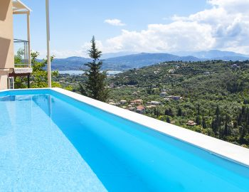 villa-alba-apolpena-lefkas-island-greece-infinity-pool-with-panoramic-town-view