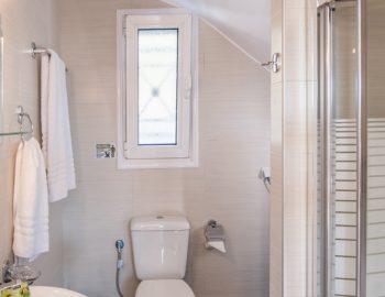 villa-alkea-nidri-lefkada-greece-bathroom
