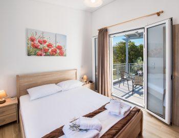 villa-alkea-nidri-lefkada-greece-bedroom