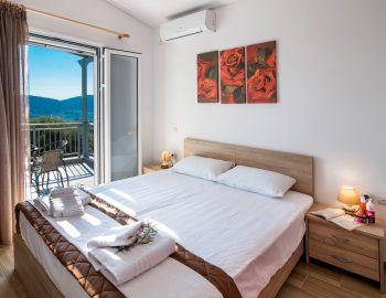 villa-alkea-nidri-lefkada-greece-double-bedroom-with-balcony