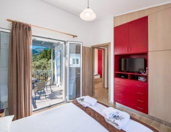 villa-alkea-nidri-lefkada-greece-master-bedroom