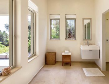 villa-aurora-lefkada-lefkas-afteli-ensuite-bathroom-luxury-living