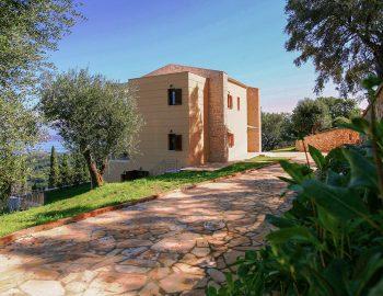 villa-belvedere-corfu-greece-entrance-garden