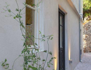 villa-da-lula-agios-nikitas-lefkada-main-entrance