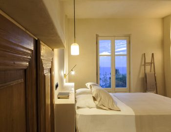 villa-da-lula-agios-nikitas-night-relaxation-double-bedroom