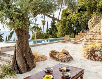 villa-da-lula-agios-nikitas-pool-area-relaxation