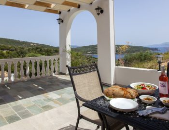 villa-de-ewelina-ammousa-lefkas-island-greece-outdoor-dining-area-with-panoramic-view