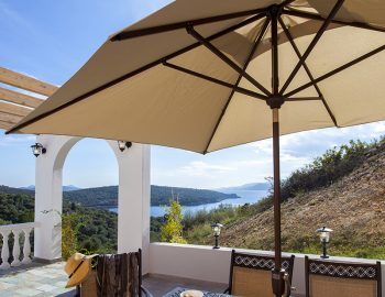 villa-de-ewelina-ammouso-lefkada-accommodation-outdoor-dining