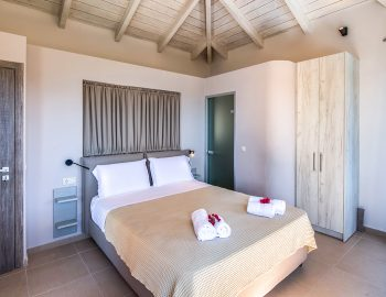 villa-drakatos-mare-vasiliki-lefkada-double-bedroom