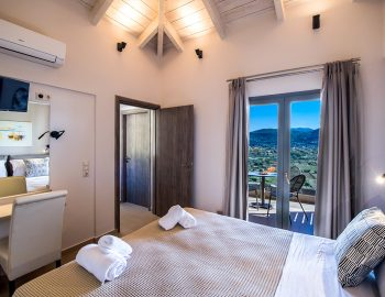 villa-drakatos-mare-vasiliki-lefkada-double-bedroom-with-balcony