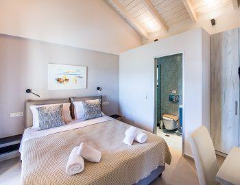 villa-drakatos-mare-vasiliki-lefkada-upstairs-double-bedroom-with-bathroom