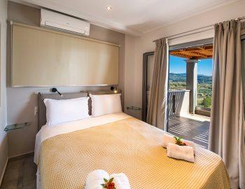 villa-drakatos-ostria-vasiliki-lefkas-double-bedroom-with-balcony