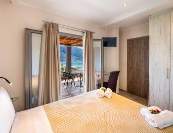 villa-drakatos-ostria-vasiliki-lefkas-double-bedroom-with-sea-view