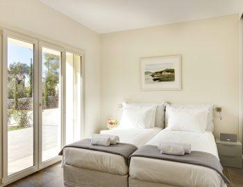 villa-elianna-corfu-greece-garden-bedroom