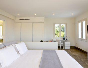 villa-elianna-corfu-greece-master-bedroom