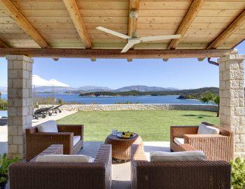 villa-elianna-corfu-greece-outdoor-dining-area