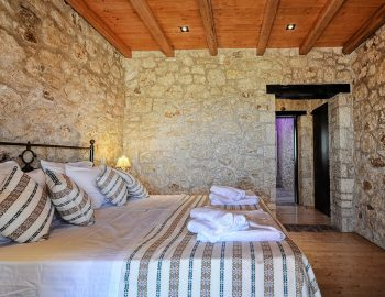 villa-eri-corfu-greece-bedroom-master
