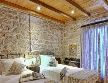 villa-eri-corfu-greece-childrens-bedroom