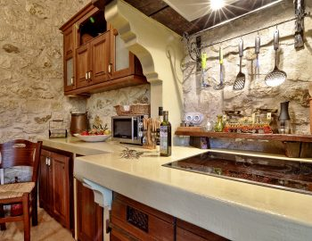 villa-eri-corfu-greece-kitchen