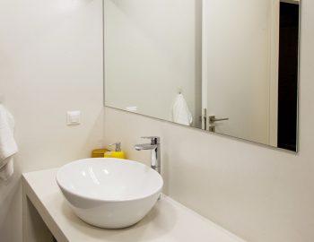 villa-galini-mikros-gialos-lefkada-bathroom