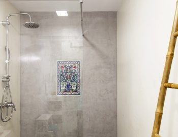 villa-galini-mikros-gialos-lefkada-greece-bathroom-with-shower