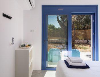 villa-galini-mikros-gialos-lefkada-greece-double-bedroom