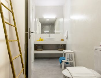 villa-galini-mikros-gialos-lefkada-greece-family-bathroom