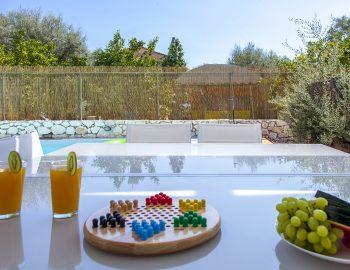 villa-galini-mikros-gialos-lefkada-greece-outdoor-dining