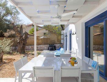 villa-galini-mikros-gialos-lefkada-greece-outdoor-dining-luxury