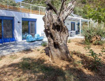 villa-galini-mikros-gialos-lefkada-greece-outdoor-garden-area