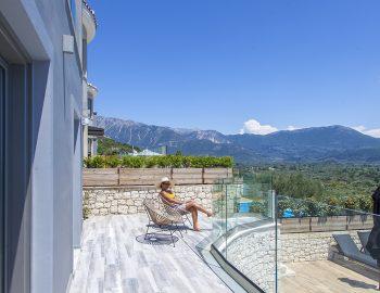 villa-irene-vasiliki-lefkada-lefkas-girl-mountain-view