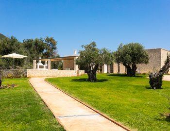 villa-laniras-corfu-greece-entrance-garden-olive-trees
