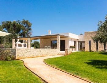 villa-laniras-corfu-greece-entrance-garden-view