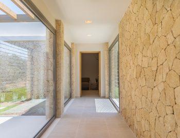 villa-laniras-corfu-greece-hallway