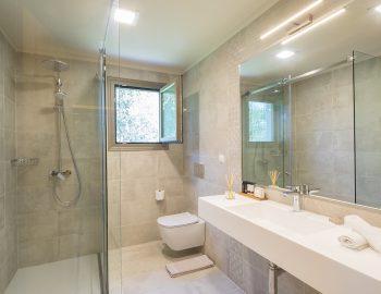 villa-laniras-corfu-greece-luxury-bathroom