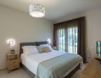 villa-laniras-corfu-greece-luxury-bedroom