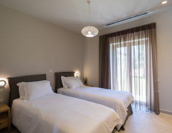 villa-laniras-corfu-greece-twin-bedroom