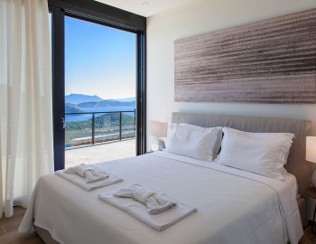 Bedroom 2: Double bedroom with ensuite bathroom and direct pool access