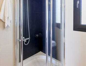 villa-melia-lefkas-lefkada-accommodation-family-luxury-bathroom-shower