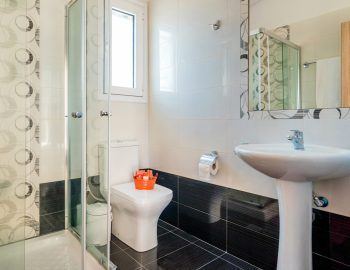villa-myrtia-nidri-lefkada-greece-family-bathroom
